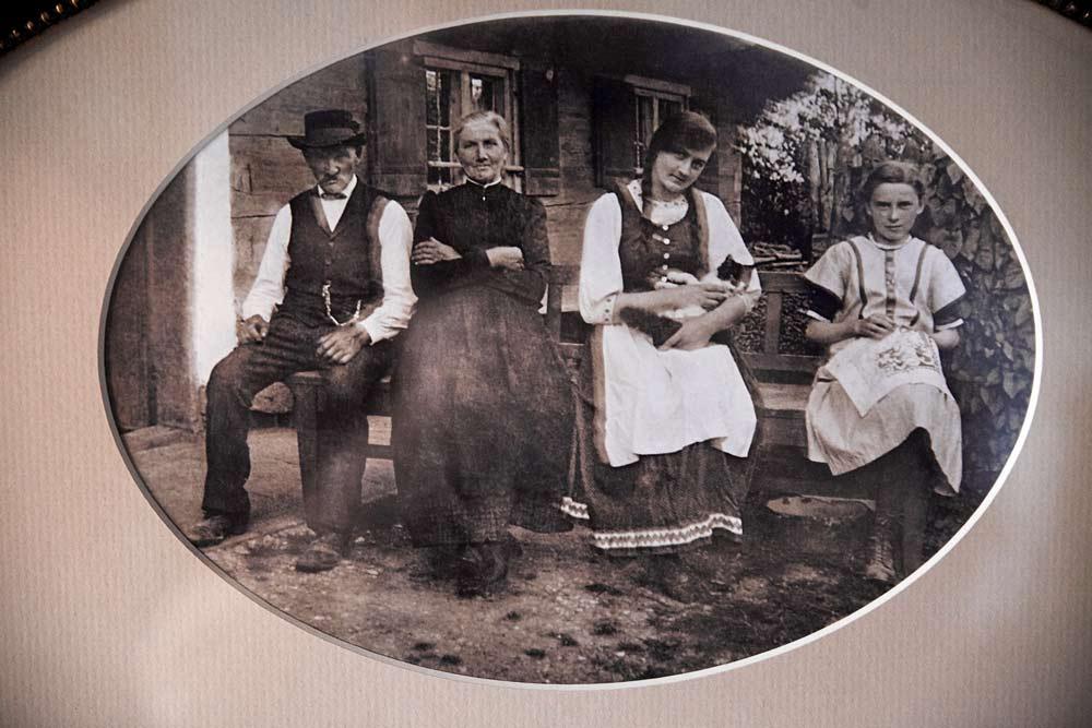 Familie Demmel – Vater, Mutter, Regine und Anna